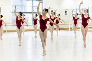 esercizi al centro danza